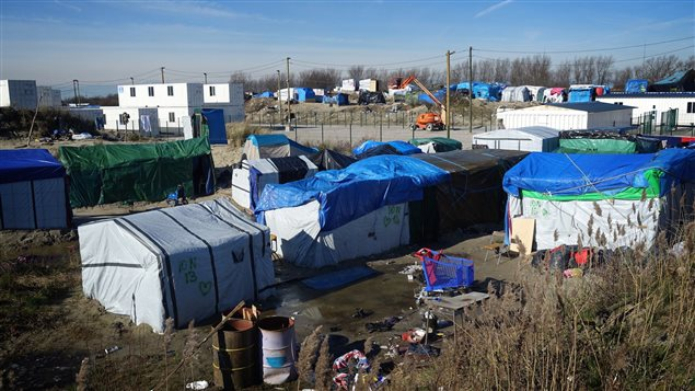 Vue de la « jungle », le camp de migrants à Calais