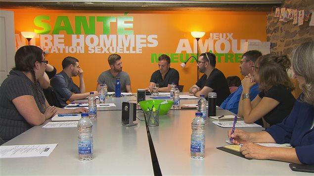 Une rencontre de la table de concertation sur la Violence conjugale dans les relations amoureuses et intimes entre hommes (VRAIH)