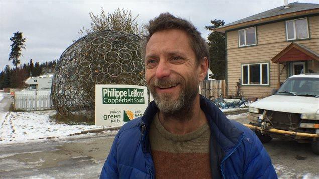 Le candidat du Parti vert du Yukon, Philippe Leblond, croit que les électeurs se soucient davantage d'économie ou d'environnement que de la langue.
