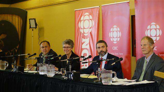 les quatre chefs lors du débat de la CBC