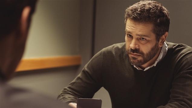 Le personnage de l'enquêteur Daniel Dupuis (Stéphane Gagnon)
